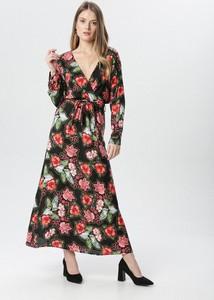 Sukienka born2be z dekoltem w kształcie litery v prosta