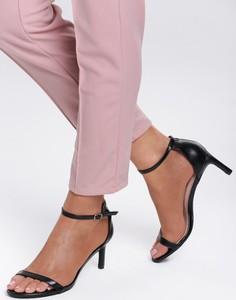 Sandały Renee na średnim obcasie