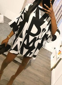 Sukienka Cikelly oversize mini z okrągłym dekoltem