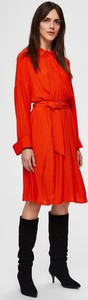 Czerwona sukienka Selected Femme z długim rękawem w stylu casual