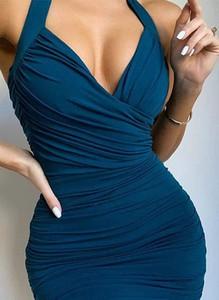 Niebieska sukienka Cikelly ołówkowa z dekoltem w kształcie litery v