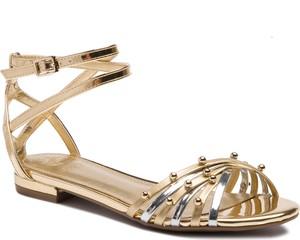Złote sandały Guess z klamrami w stylu casual ze skóry ekologicznej