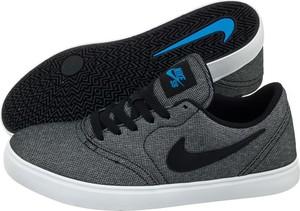 Czarne trampki Nike z płaską podeszwą w sportowym stylu niskie