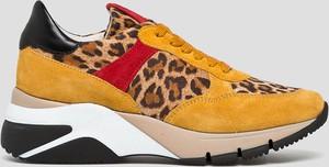 Sneakersy Tamaris na platformie