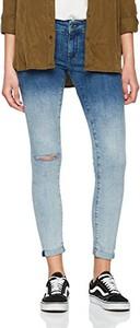 Niebieskie jeansy Mavi w street stylu