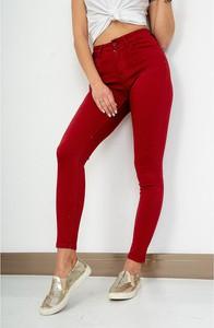 Czerwone jeansy ZOiO.pl