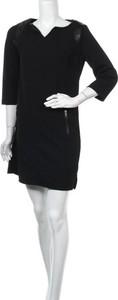 Czarna sukienka Gina mini z długim rękawem