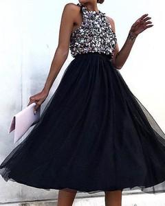 Granatowa sukienka Kendallme mini rozkloszowana bez rękawów