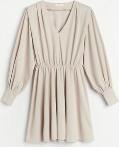 Sukienka Reserved z długim rękawem z dzianiny mini