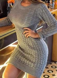 Sukienka Sandbella z dresówki z długim rękawem