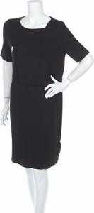 Czarna sukienka New Look Maternity midi z okrągłym dekoltem z krótkim rękawem
