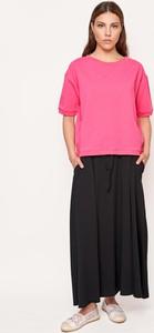 Różowa bluzka Byinsomnia z krótkim rękawem