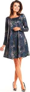Granatowa sukienka Awama z dzianiny z długim rękawem