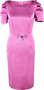 Różowa sukienka Fokus z okrągłym dekoltem z tkaniny