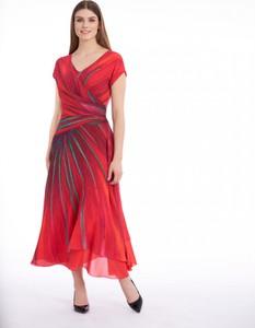 Czerwona sukienka POTIS & VERSO z tkaniny z dekoltem w kształcie litery v