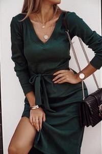Sukienka lafemmeboutique.pl mini w stylu casual z dekoltem w kształcie litery v