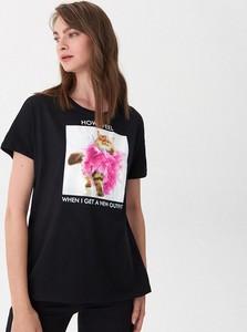 Czarny t-shirt House z okrągłym dekoltem z krótkim rękawem w młodzieżowym stylu