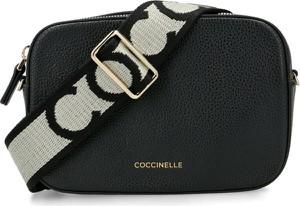 Czarna torebka Coccinelle ze skóry na ramię