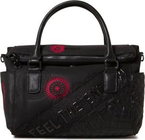 Czarna torebka Desigual w stylu glamour