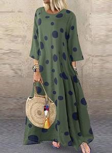 Zielona sukienka Arilook z okrągłym dekoltem oversize z długim rękawem