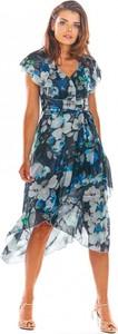 Sukienka Awama z krótkim rękawem asymetryczna z dekoltem w kształcie litery v
