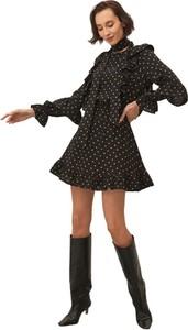 Czarna sukienka ECHO z tkaniny w stylu casual mini