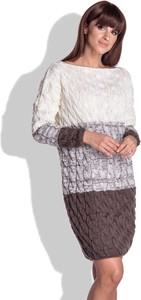 Sukienka Fobya w stylu casual z długim rękawem