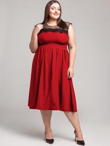 Czerwona sukienka By 20inlove dla puszystych bez rękawów midi