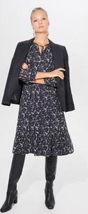 Sukienka Mohito w stylu casual midi z długim rękawem