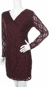 Czerwona sukienka Mela London