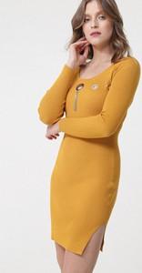 Żółta sukienka born2be dopasowana z długim rękawem mini