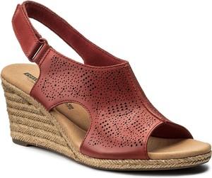 Sandały clarks w stylu retro z tkaniny