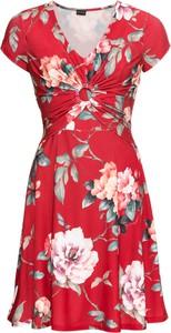 Sukienka bonprix BODYFLIRT z dżerseju z krótkim rękawem trapezowa