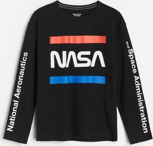 Czarna koszulka dziecięca Reserved z długim rękawem dla chłopców z bawełny