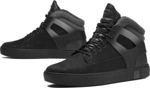 Czarne buty zimowe Timberland w sportowym stylu