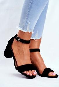 Czarne sandały Vinceza z zamszu