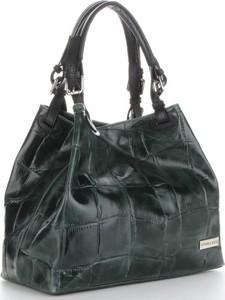 Zielone torebki rockowe, kolekcja wiosna 2019