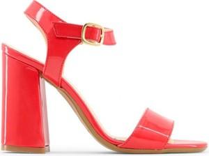 Sandały Made In Italia w stylu glamour z klamrami