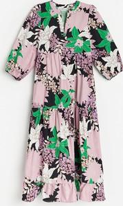 Sukienka Reserved mini z okrągłym dekoltem z długim rękawem