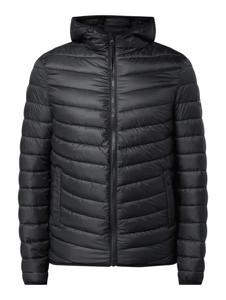Czarna kurtka Review w młodzieżowym stylu