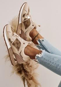 Buty sportowe Shopaholics Dream w sportowym stylu sznurowane z płaską podeszwą