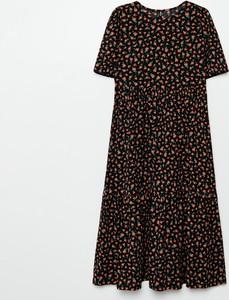 Sukienka Cropp midi w stylu casual