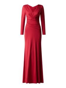 Czerwona sukienka Mascara maxi z dekoltem w kształcie litery v z długim rękawem