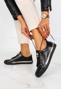 Czarne buty sportowe Casu ze skóry sznurowane