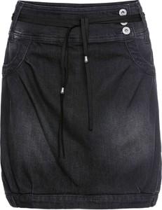 Czarna spódnica bonprix rainbow midi z jeansu