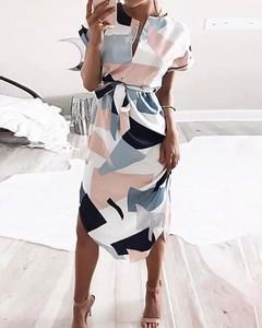 Sukienka Kendallme z dekoltem w kształcie litery v z długim rękawem midi