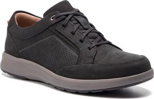 a7e5a8ebe7e4 obuwie firmy clarks - stylowo i modnie z Allani