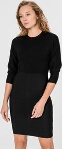 Czarna sukienka Guess z długim rękawem