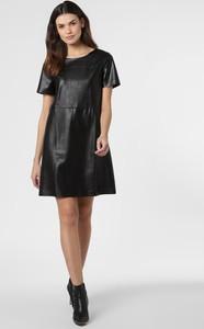 Czarna sukienka Opus z okrągłym dekoltem mini