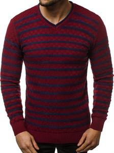 Czerwony sweter ozonee.pl z dzianiny